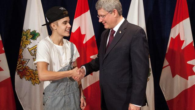 Justin Bieber Sparks Online Criticism After Wearing Overalls to Meet Canadian PM