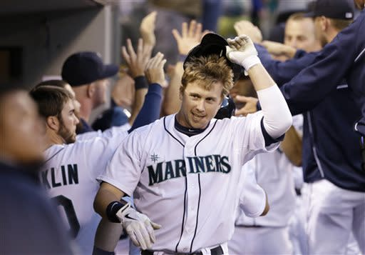 Hernandez, Smoak lead M's past Angels 6-0