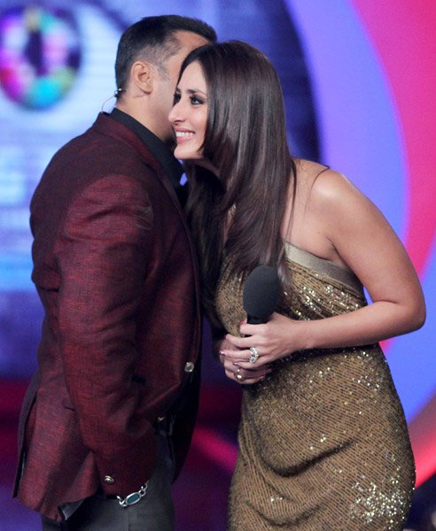 Salman and Kareena won&amp;#39;t kiss and tell