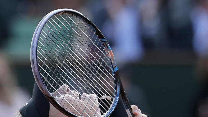 Russia's Maria Sharapova reacts as she defeats Czech Republic's Petra Kvitova during their semifinal match in the French Open tennis tournament at the Roland Garros stadium in Paris, Thursday, June 7, 2012. Sharapova won 6-3, 6-3. (AP Photo/Bernat Armangue)