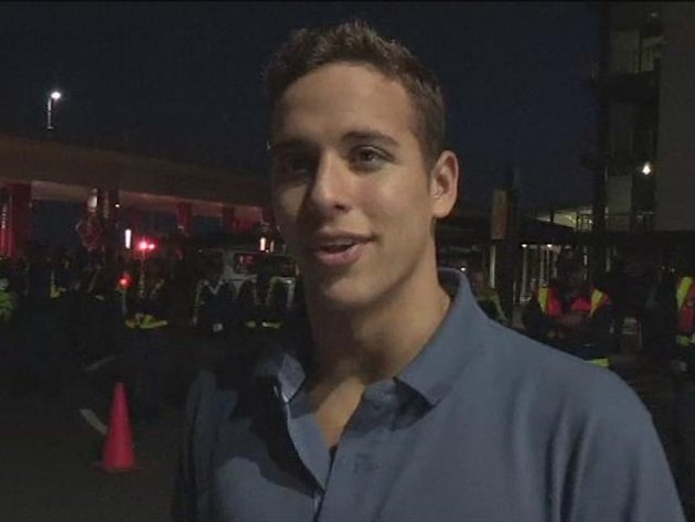 Olympic star Le Clos greeted by vuvuzelas