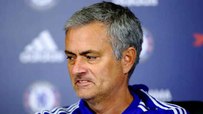 Mourinho hopes to see Arsenal suffer Champions League elimination