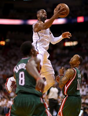 Heat take off late, top Bucks 98-86 for 2-0 lead