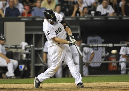 Youkilis gets winning hit in 10th for White Sox