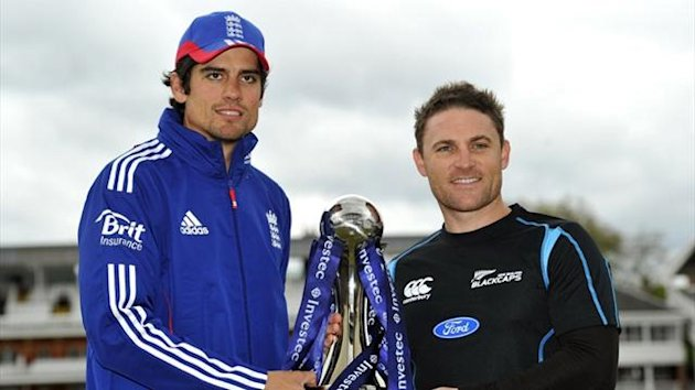 England captain Alastair Cook and New Zealand captain Brendon McCullum (AFP)