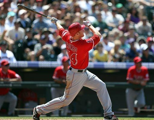 Trumbo has 6 RBIs, Angels win 9th straight on road