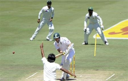 Pakistan's Rahat Ali celebrates after taking the wicket of South Africa's Kyle Abbott on the second day of the third cricket test match in Pretoria