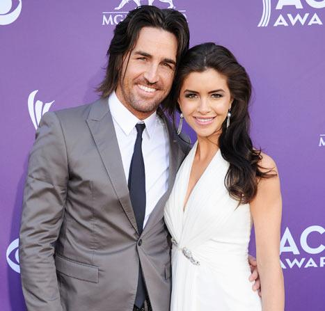 Country Star Jake Owen Is Engaged!