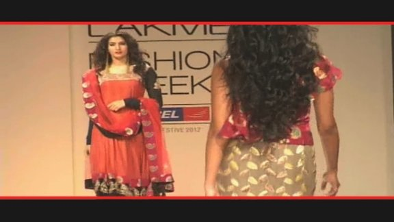 LFW Day 3: Richa and Mini takes to the runway!