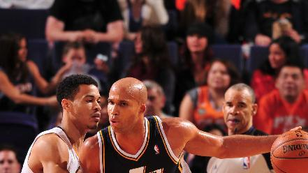 Burke, Jazz beat Suns for 1st road victory