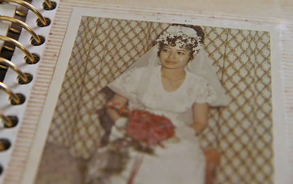 Leong, who learnt to sew on the job, made her own wedding dress. Her marriage, however, did not last. (Yahoo! photo)