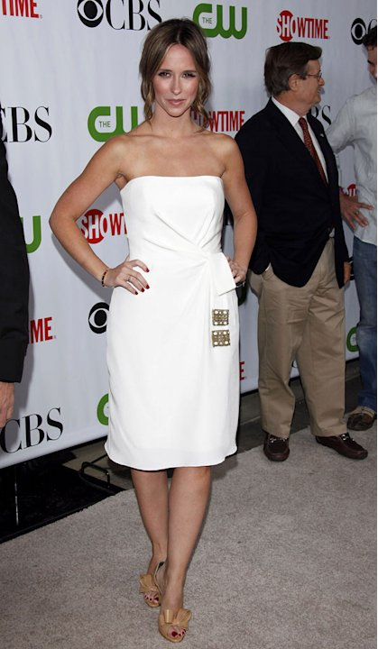 Jennifer Love Hewitt arrives at the 2009 TCA Summer Tour - CBS, CW and Showtime All-Star Party at the Huntington Library on August 3, 2009 in Pasadena, California.