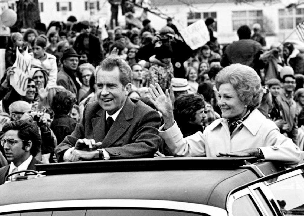 Nixon note says Vietnam bombings gained 'Zilch': Woodward book