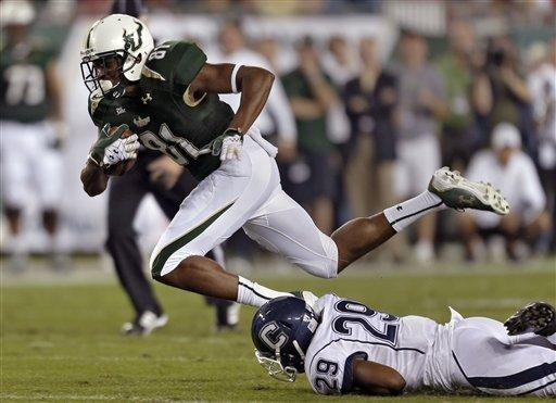 Daniels hurt in South Florida 13-6 win vs. UConn