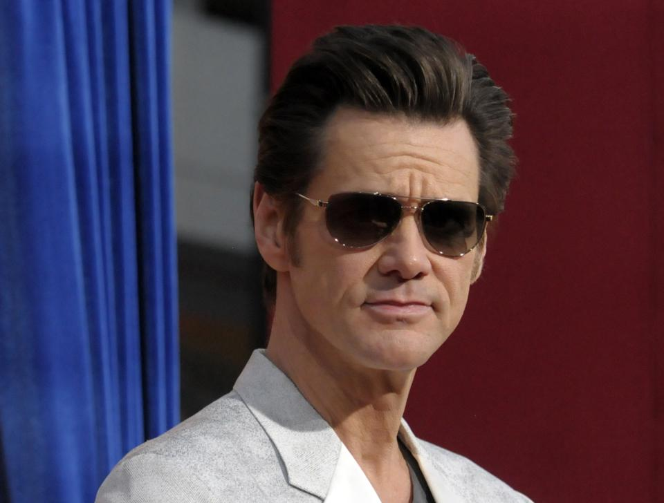 Carrey says 'Kick-Ass 2' too violent after Newtown