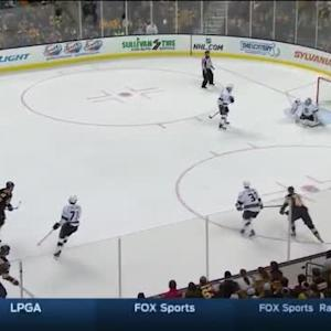 Jonathan Quick Save on Dougie Hamilton (19:33/1st)