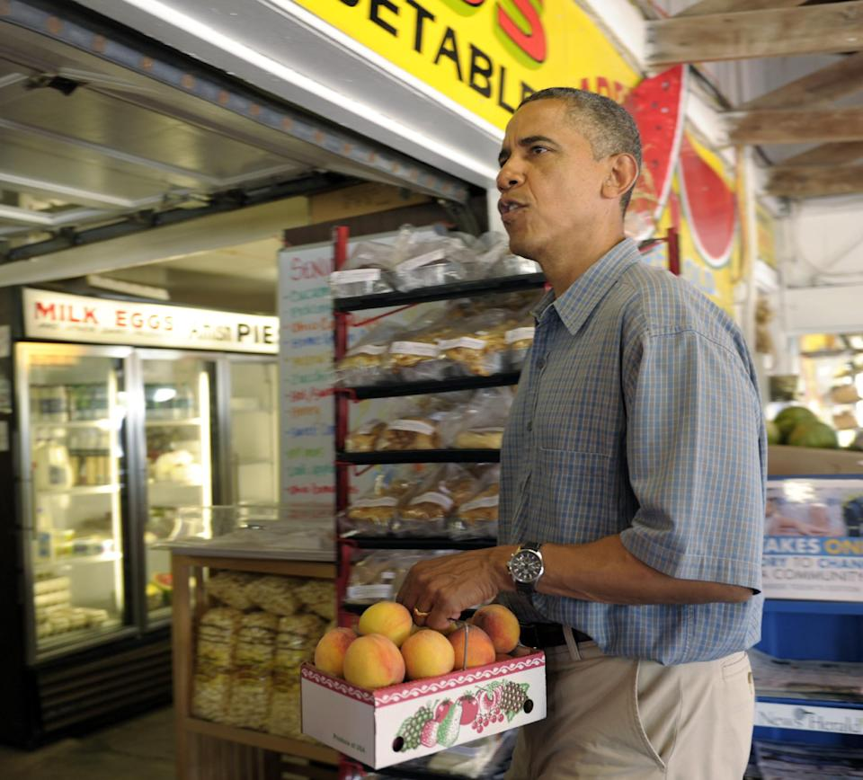 President Barack Obama visits Bergman Orchards Farm Market in Port Clinton, Ohio, Thursday, July 5, 2012. Obama is on a two-day bus trip through Ohio and Pennsylvania. (AP Photo/Susan Walsh)
