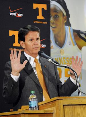 Hart: Vols hoops job still 'extremely attractive'