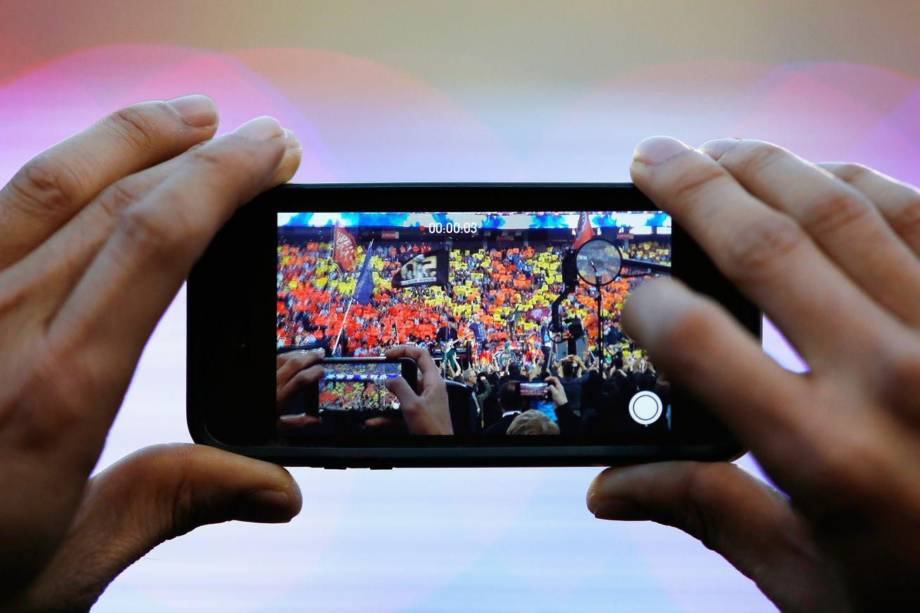 Verizon, AT&T, T-Mobile, and Sprint fight over data speeds at Super Bowl 50