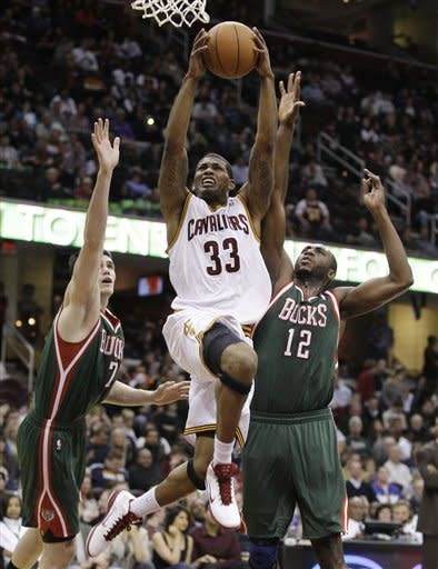 Jennings leads Bucks past Cavaliers, 121-84