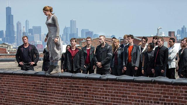 New 'Divergent' Pic: Watch Your Step!