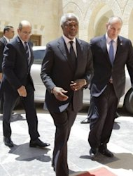 "Peace envoy Kofi Annan arrives at the royal palace in Amman, on May 31, 2012, for talks with Jordanian King Abdullah II. UN chief Ban Ki-moon told a forum in Istanbul: ""I demand that the government of Syria act on its commitment to the Annan peace plan."""