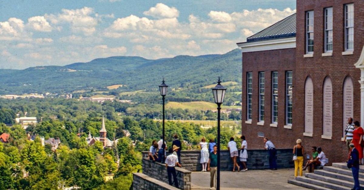 17 Of The Coolest Towns In America