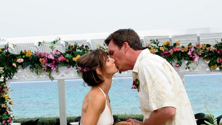 "Janitor and Lady's Bahamas wedding ceremony affirms that their romance is certainly the strongest and oddest of all the Sacred Heart couples in the second of a two-part episode of ""Scrubs."""