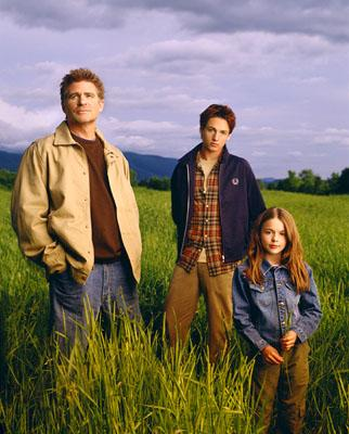 "Treat Williams as Dr. Andrew Brown, Gregory Smith as Ephram Brown and Vivien Cardone as Delia Brown The WB's ""Everwood"" Everwood"