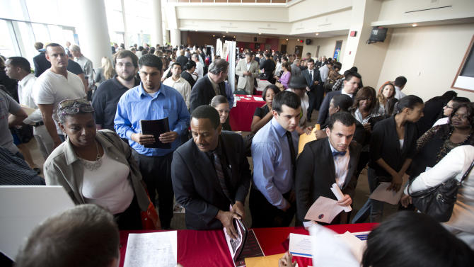 Report: US job market looks surprisingly strong
