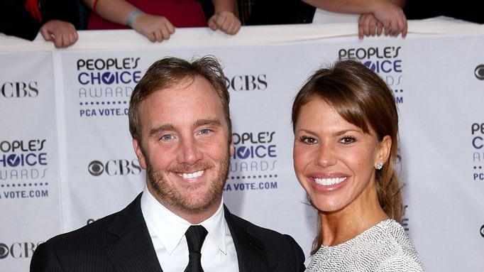 Jay Mohr and actress  Nikki Cox  arrive at the 35th Annual People's Choice Awards held at the Shrine Auditorium on January 7, 2009 in Los Angeles, California.