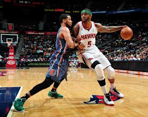 Smith, Teague leads Hawks past Charlotte
