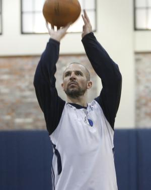 Dallas Mavericks guard Jason Kidd takes a shot during practice on Sunday, May 29, 2011, in Dallas. The Mavericks  will play the Miami Heat in Game 1 of the NBA basketball finals on Tuesday. (AP Photo/Mike Fuentes)