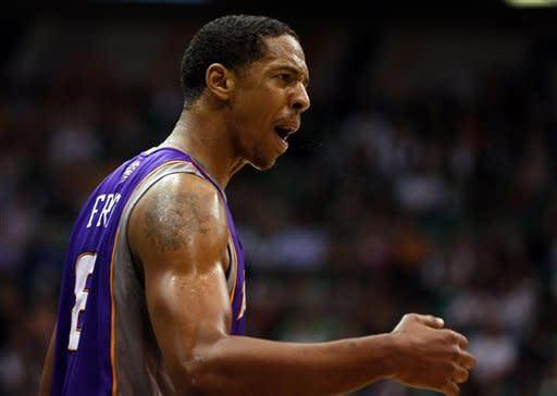 Nash lifts Suns past Jazz, 107-105