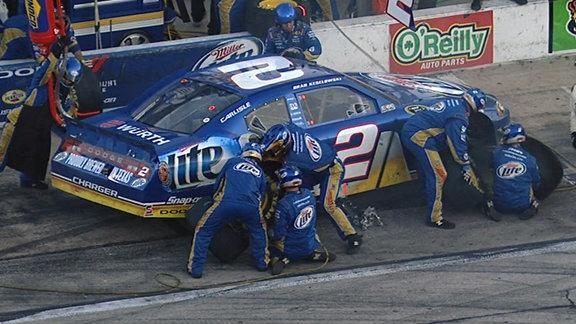 Rough stop costs Keselowski valuable spots