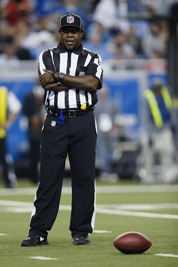 Umpire suspended for profanity at Redskins player