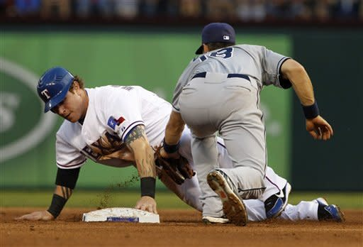 Lewis, Hamilton lead Rangers to 7-2 win over Rays