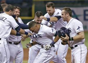 Jennings hits single in 9th, Rays edge Marlins