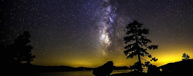 Perseid meteor shower lights up night sky. (Flickr)