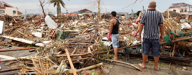 Philippine typhoon death toll could reach 10,000. (Romeo Ranoco/Reuters)