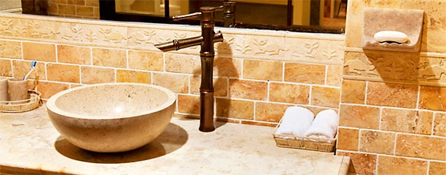 5 ways to avoid a costly bathroom remodel (Thinkstock)