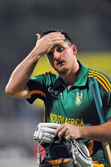 Graeme Smith of South Africa walks off for 66 runs during the 2nd One Day International match between South Africa and New Zealand at De Beers Diamond Oval on January 22, 2013 in Kimberley, South Africa.(Photo by Duif du Toit/Gallo Images/Getty Images)