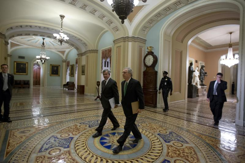 US may skirt 'fiscal cliff' but faces higher taxes