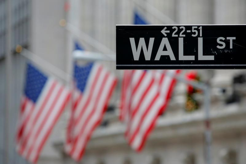 Wall Street rallies to huge gains, record closing