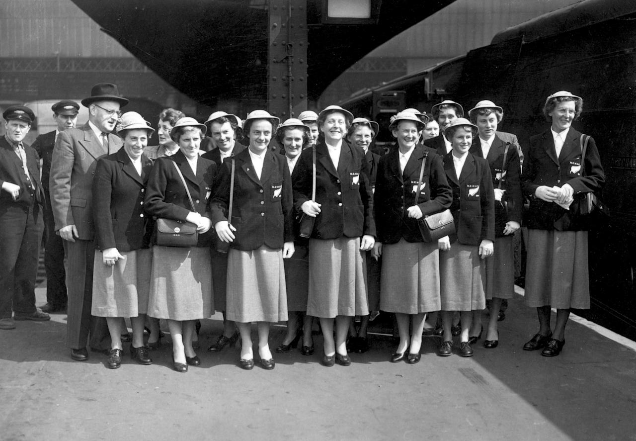 [ICCWWC2013] 10th May 1954:  Members of the New Zealand women's cricket team on arrival at Waterloo Station, London. In the centre is manager and captain Rona MacKenzie.  (Photo by J. A. Hampton/Topical Press Agency/Getty Images)