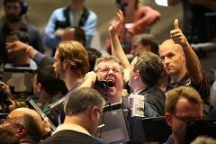 Good time to buy bonds? 'Absolutely not'