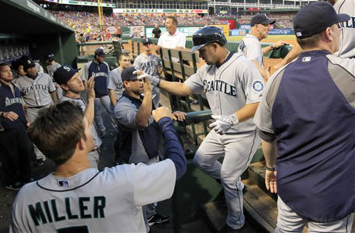 Morales leads Mariners past Rangers 9-2