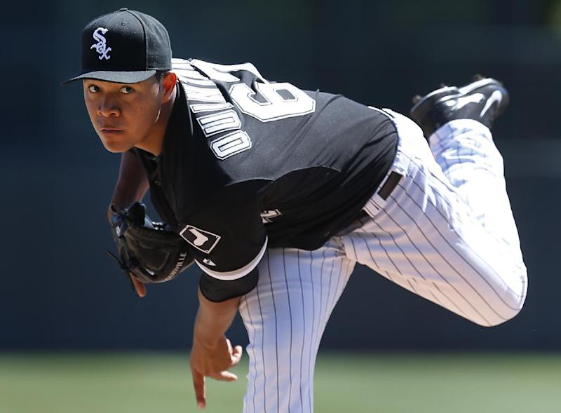White Sox LHP Quintana hit in shin by line drive