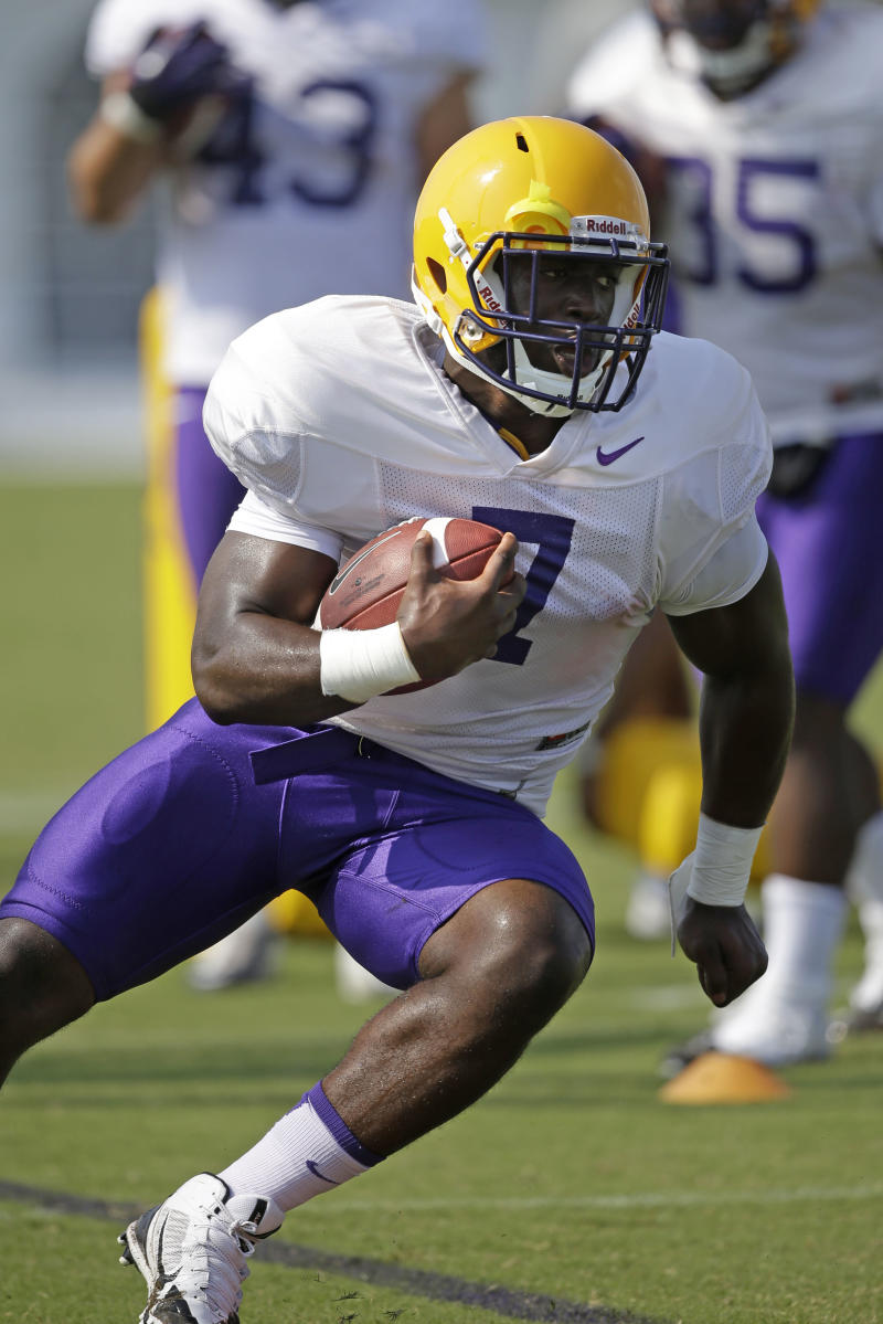 RBs take center stage in LSU-Wisconsin