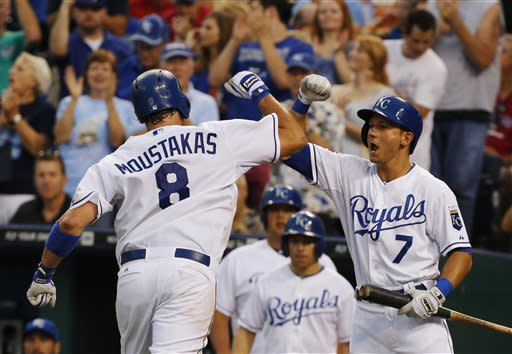 Perez, Moustakas lead Royals over Tigers. 6-5